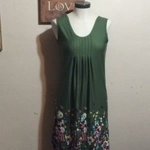 Dresses & Skirts - Green printed dress